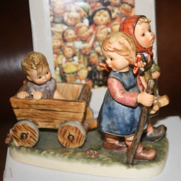 hummel figurine pleasant journey