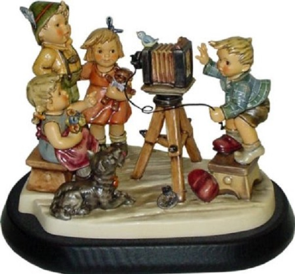 hummel figurine picture perfect